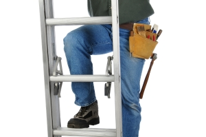 FeaturePics-Worker-Ladder-094326-2646620