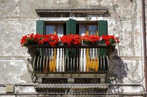 FeaturePics-Venetian-Balcony-151642-2824218