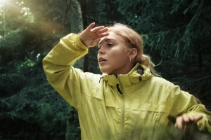 FeaturePics-Woman-Forest-092443-3020382
